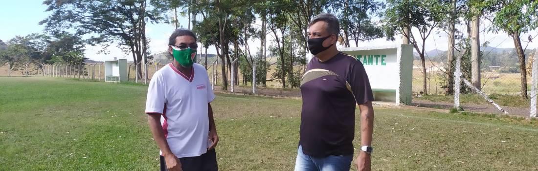 Diretores da Liga, visitam campos em Itabira